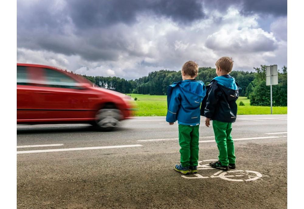 Осторожно, автомобиль! Что должен знать ребёнок-пешеход.