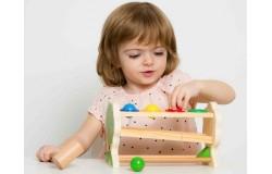 Безопасные игрушки из дерева полезны и приятны