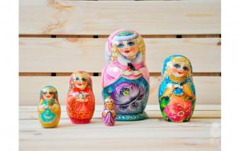 """Неваляшка: деревянная игрушка """"ванька-встанька"""""""